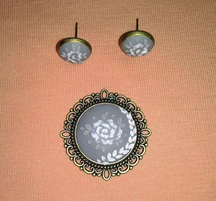 Embroidery polymer clay pendant with matching earrings fluffycraftcloud fluffycraftcloud.wordpress.hu