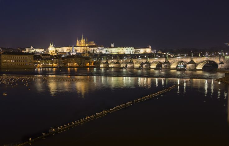 The beauty of Prague in the night by Luis Kolakov on 500px