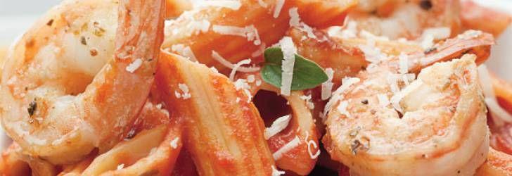 Receita de Penne ao molho de camarão ao toque de pimenta-rosa - Receitas Supreme