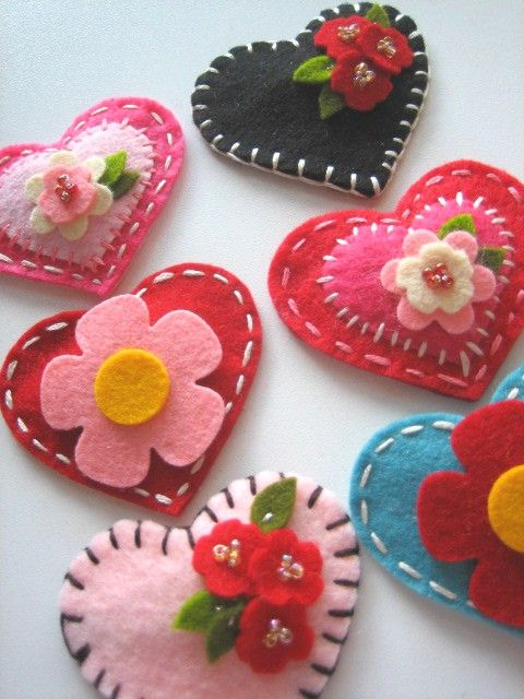 Felt hearts from Lil Hoot: Valentine's day idea? #crafty