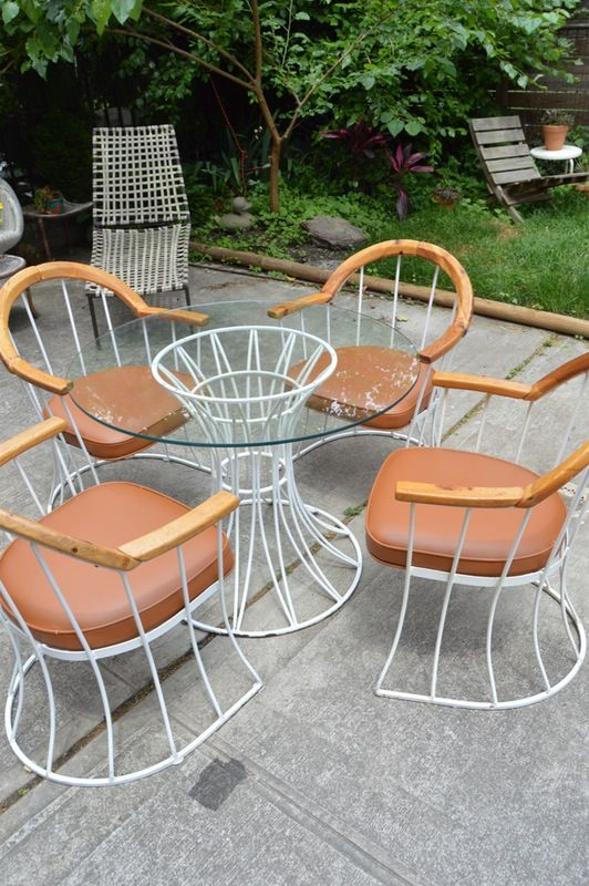 Midcentury Cognac Outdoor Dining Set in Greenpoint, Kings County on Krrb!