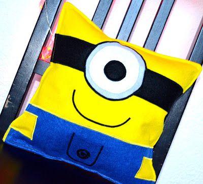 Wonderland: A minion pillow! Un cuscino minion!
