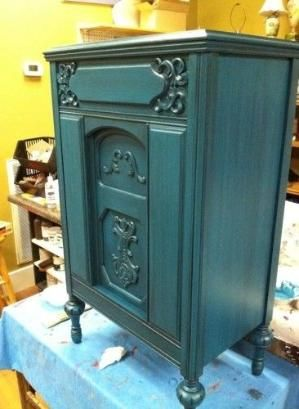 "This is just gorgeous!  American paint company's ""Peacock"" with black glaze Facebook Friday by louellaa"