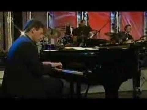 John Pizzarelli - Avalon - YouTube