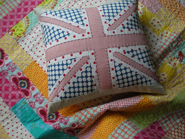 union jack pillow in polka dots  http://mollyflanders.blogspot.com/2011/12/year-of-pillows-baby-quilts-and.html: Sewing, Alternative Union, Baby Quilts, Union Jack Pillow, Jack O'Connell, Craft Pillows, Craft Ideas, Diy Pillows