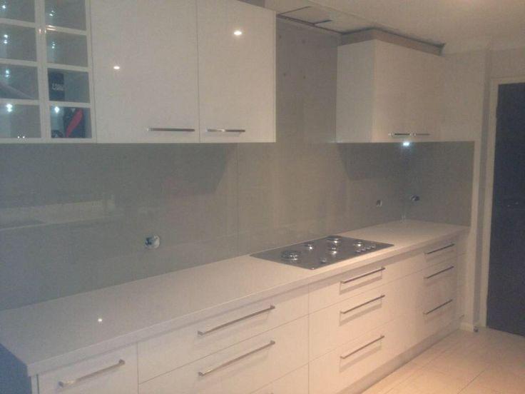 Glass Splashback, kitchen, splashback, painted glass, Dulux 'camel hide' | ACM Coatings