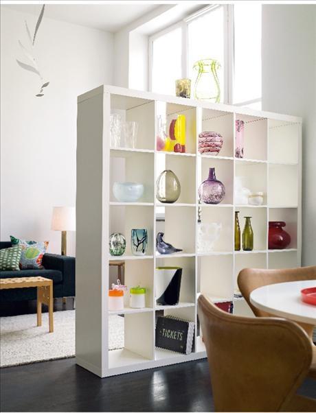 Konsten är tillbaka med råge i inredningen, och minimalismens kala väggar känns rätt passé. Här är 6...