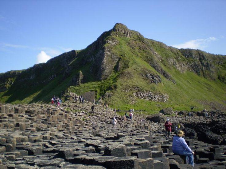 ユーラシア旅行社で行くアイルランドツアーのジャイアンツ・コーズウェー