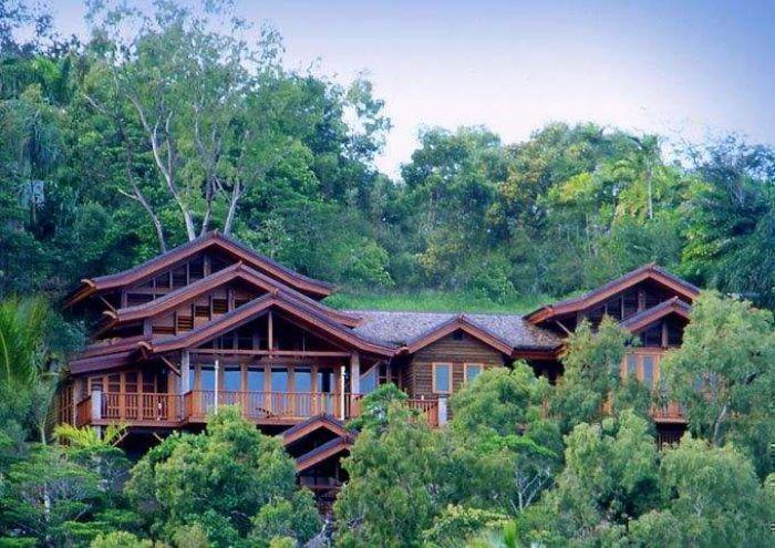 Villa Empat Puluh Dua - Port Douglas, QLD   View Retreats #weddingvenue