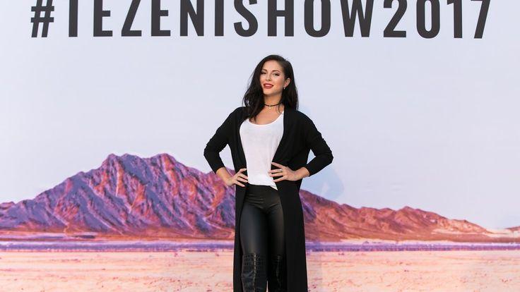 Шоу Tezenis в Вероне: модели в ярких бикини на подиуме и певица Нюша в п...
