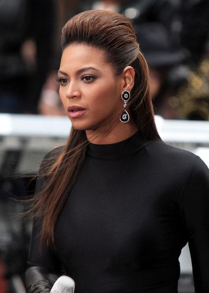 Beyonce Knowles Photos - Beyonce performs on the Today Show in New York City. - Beyonce Performing On Today Show