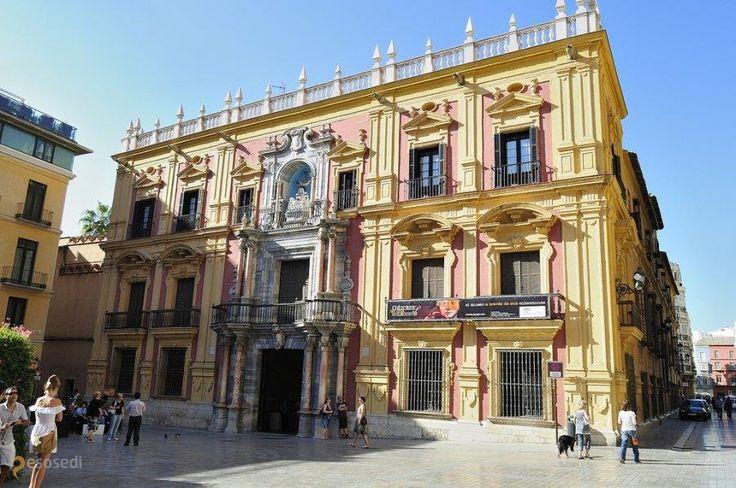 Епископский дворец – #Испания #Андалусия #Малага (#ES_AN) Историческое здание в центре Малаги. Одна из главных достопримечательностей города.  ↳ http://ru.esosedi.org/ES/AN/1000238990/episkopskiy_dvorets/