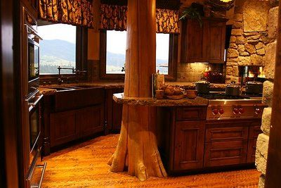 Rustic Kitchens: Trees Trunks, Dreams Kitchens, Kitchens Design, Dreams Houses, Cabins Kitchens, Kitchens Ideas, Rustic Kitchens, Logs Cabins, Country Kitchens