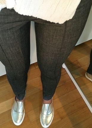 Kaufe meinen Artikel bei #Kleiderkreisel http://www.kleiderkreisel.de/damenmode/leggings/128843048-silber-graue-legging-mit-reissverschluss-gr-36