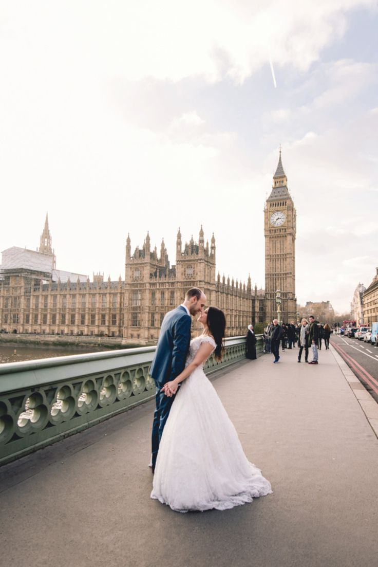 Amazing After-Wedding session in London! See more See more here: http://photographergreece.com/en/photography/after-wedding-shoots/932-amazing-after-wedding-session-in-london