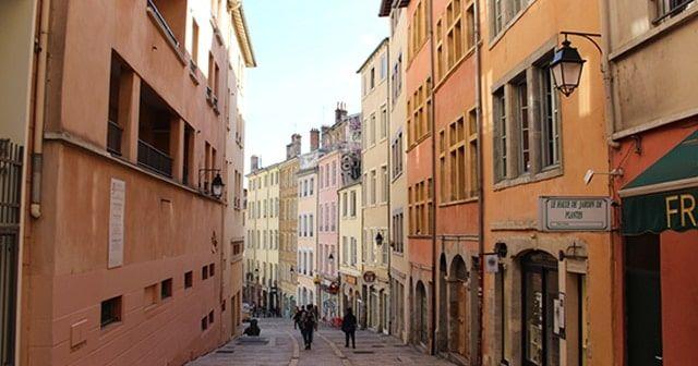 Lise a pas mal roulé sa bosse dans les grandes métropoles du pays. Mais aucune ne l'a autant touchée que Lyon. Voici ce qu'elle vous conseille de faire dans ce qu'elle considère, sans aucun doute, la meilleure ville de France !
