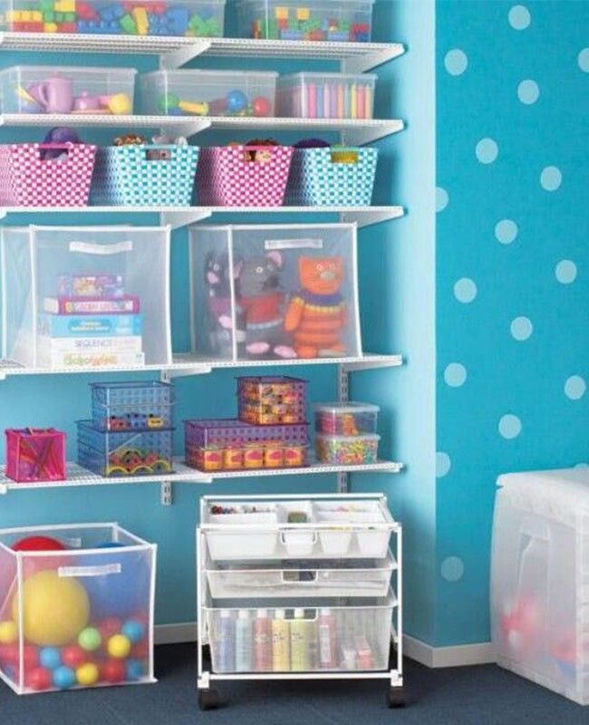 Si el cuarto de tu hijo es un verdadero campo de batalla, te dejamos estos prácticos jugueteros para poner orden.