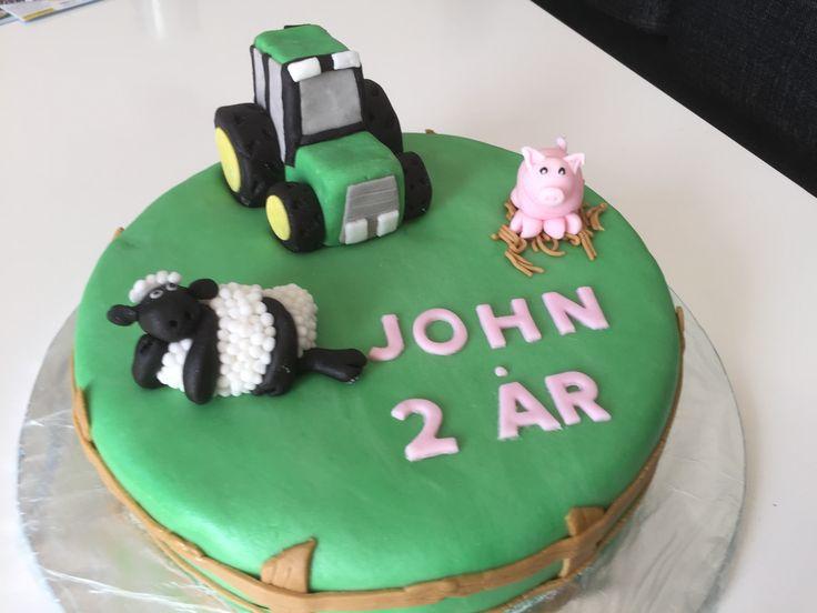 DIY Tractor cake shaun the sheep