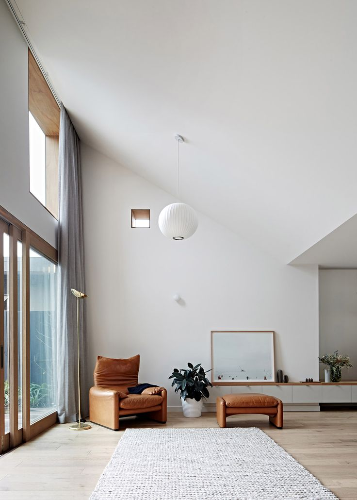 A 1930s Melbourne house remodelled by Freadman White Architecture studio. Photography Jeremy Wright.