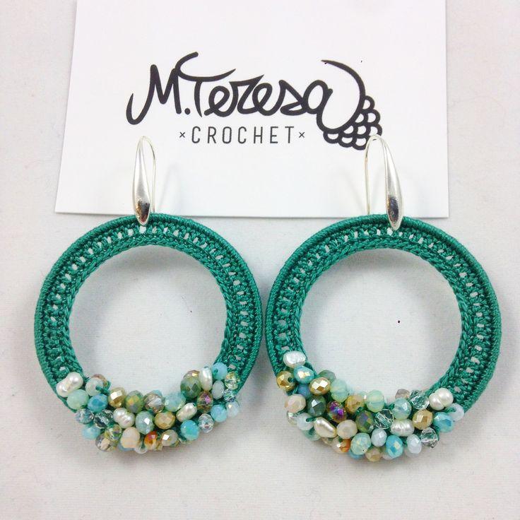 #gioiellitessili #Orecchini all' #uncinetto in puro #cotone #dmc con sfere di cristallo multi color verde smeraldo