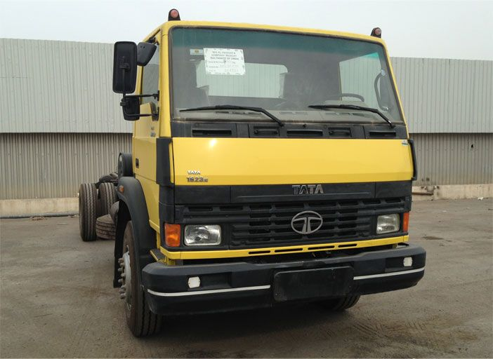 10T LPT1623 is a range of heavy duty trucks for sale from Tata. Heavy truck dealers can request a quote and download the E-brochure here.