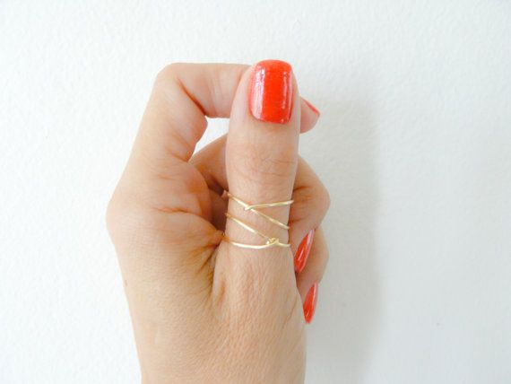 *This gold ring is so simple and so pretty! Thin 18 gauge wire, delicate and dainty ring in 14k gold filled, minimalist and modern. It so