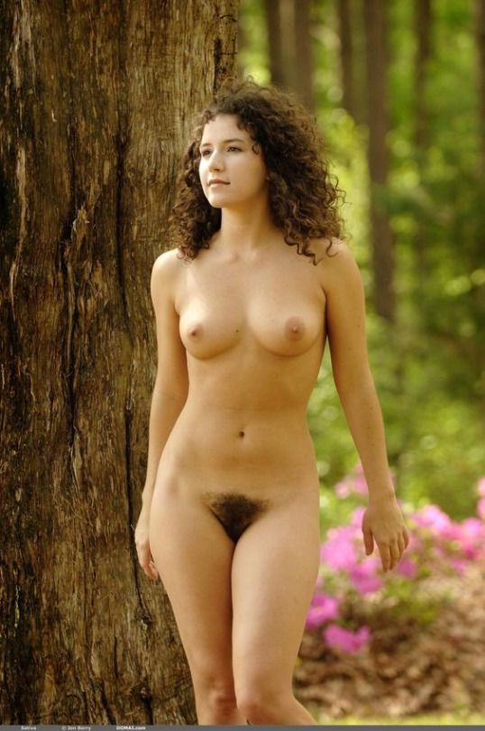 Stunning nude girl photos