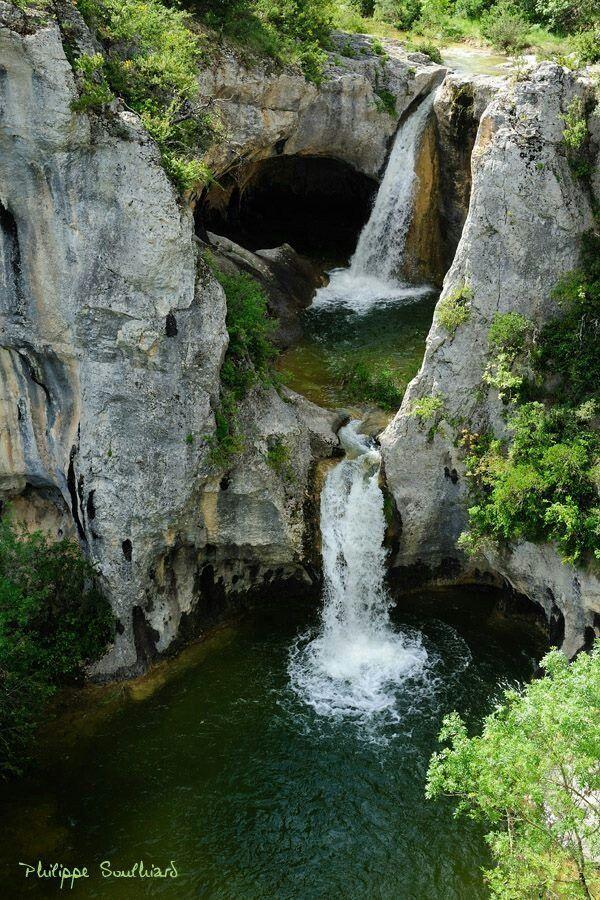 Cascade de la Sompe à Lagorce Ardèche - Région Rhône-Alpes - France