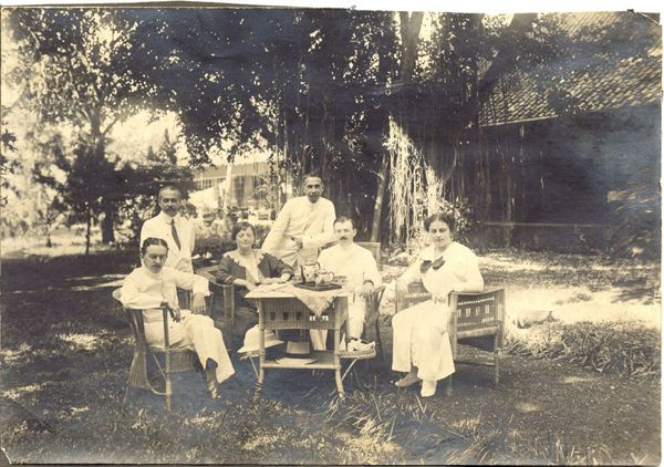 Pekalongan, 1915- 1917, Ies and Lien Cassuto