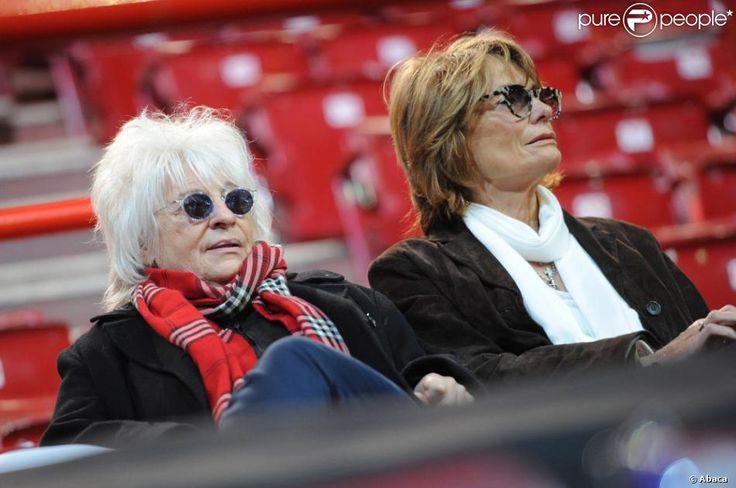 Catherine Lara et Samantha lors du meeting de François Hollande au palais omnisport de Paris-Bercy le 29 avril 2012.