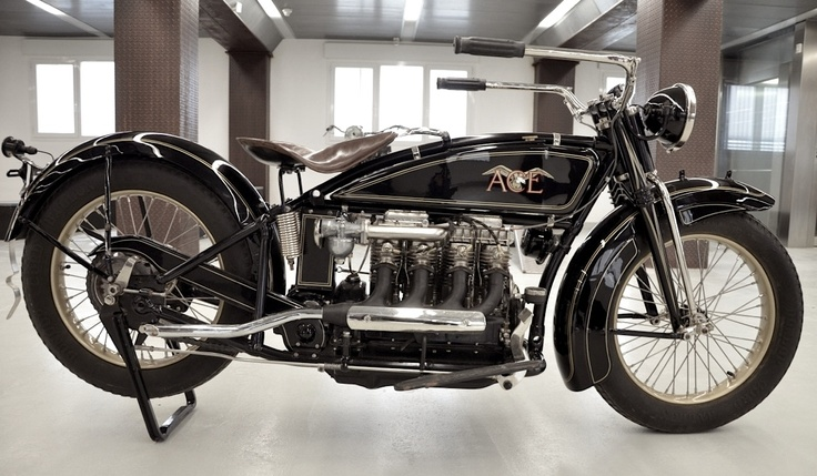 Found on the 'sublime' website The Vintagent, a four-cylinder Ace, forerunner of the Indian Four. Sweet.