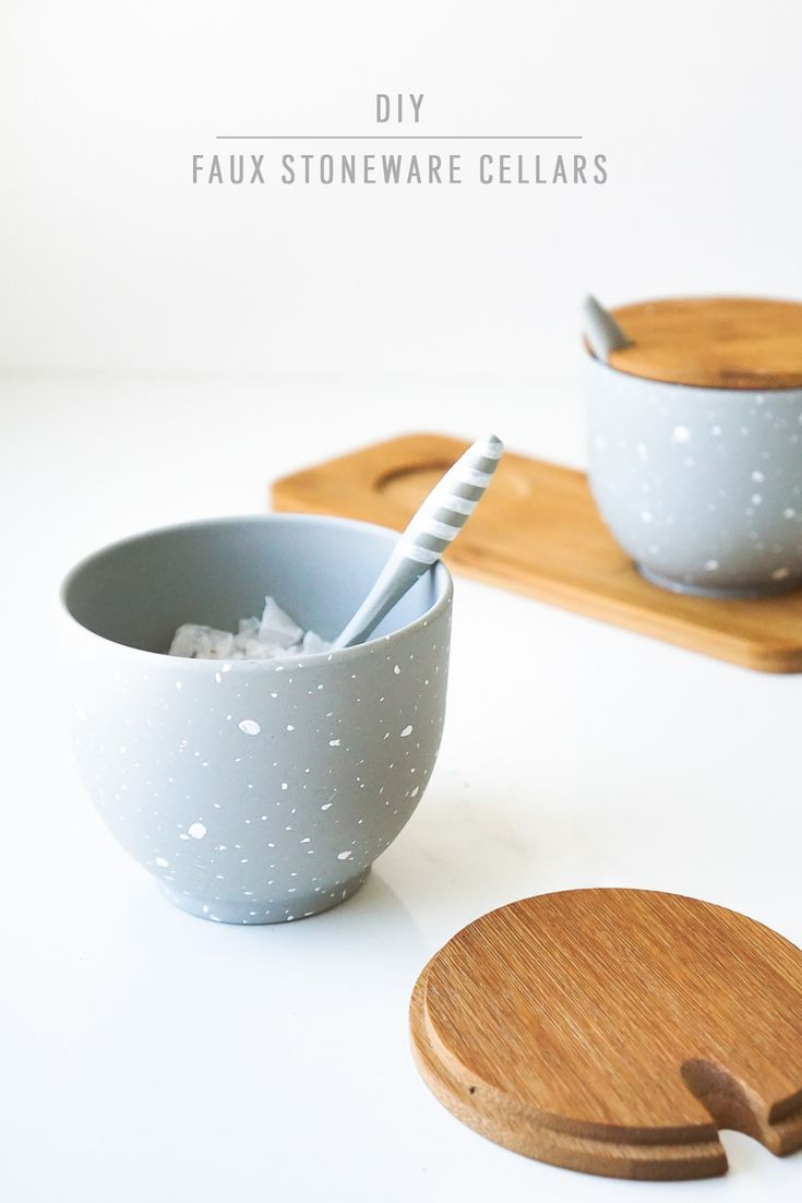 Everyone loves a stylish stoneware piece for their kitchen, and this DIY faux stoneware salt cellars are the perfect way to recreate the style with an inexpensive basic! #fauxstoneware #kitchenaccessories
