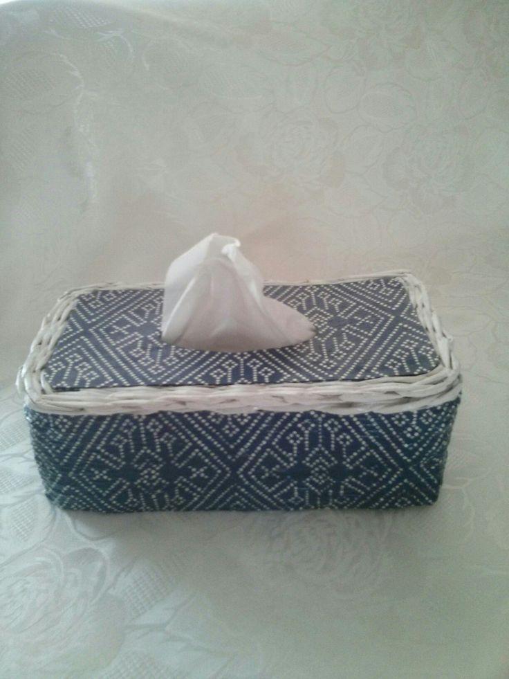 Chustecznik z wikliny papierowej i decoupage