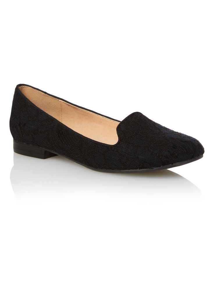 These loafers with a lace design are sure to pair well with everything. Designed with grosgrain piping, these shoes with an almond toe are finished with a comfortable inner lining and low heel. Style with ruffled shirt and cropped pants for a chic style. Black lace loafers Grosgrain piping Almond toe Comfortable inner lining Low heel