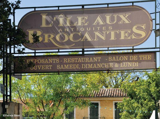Haut lieu de la brocante, des arts et des antiquités, L'Isle-sur-la-Sorgue accueille, du 15 au 18 août, plus de 250 professionnels, associés à 250 boutiques, pour un week-end de chine exceptionnel.