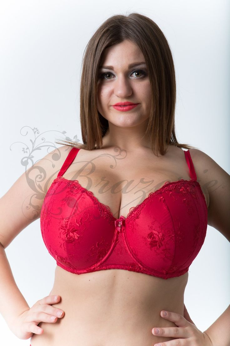 bigtits .com Balkonet a large chest of GIULIETTE Gorsenia