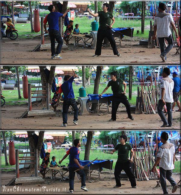 allenamento all'aria aperta di arti marziali ad Ayutthaya
