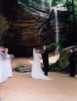 Hocking Hills Wedding In Ash Cave Beautiful Ohio Outdoor Place Waterfalls And Sandstone