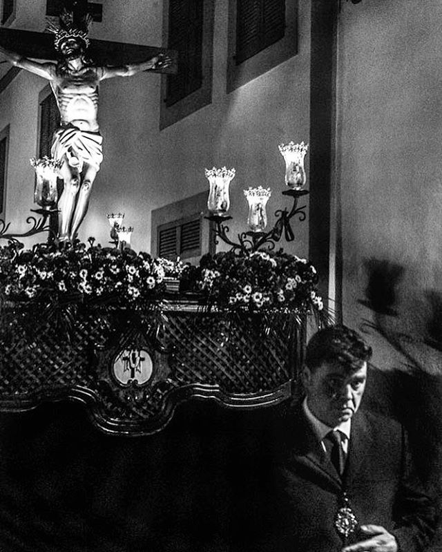 Easter time in Ibiza #easter #ibiza #procession #streetphotography #jmvoge #photographylovers #blackandwhite #blackandwhitephotography #believe #atmosphere #memories #street #candle #fashionstyle #everyyear #hood #penance #nightlife #christ #walking #mystery