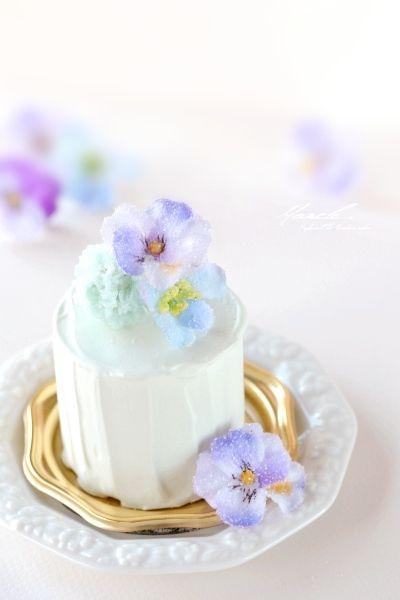 お花の砂糖漬けケーキ