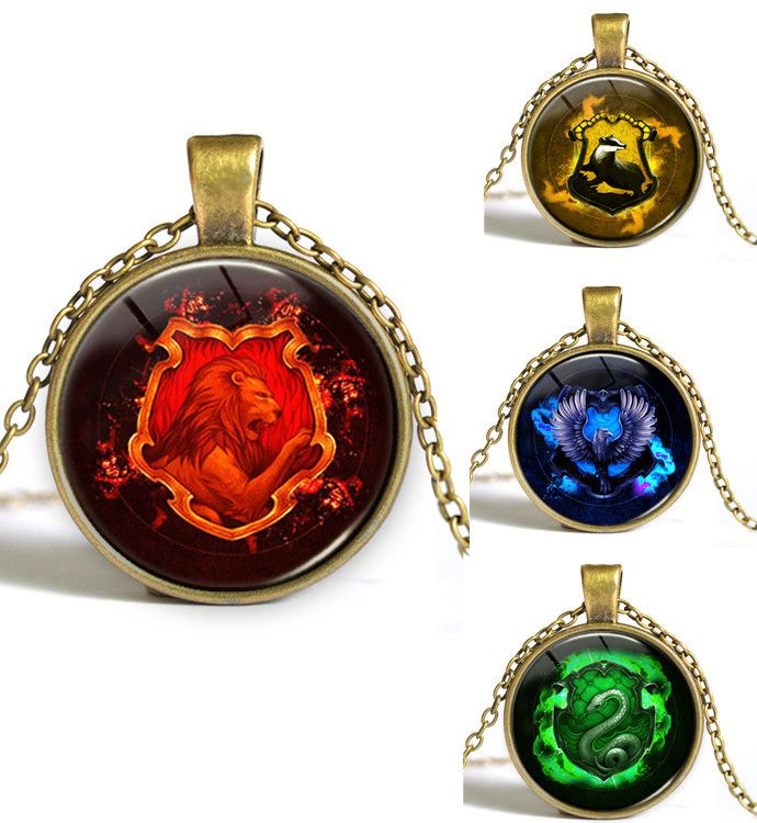 WA102 - Harry Potter Crest Pendant