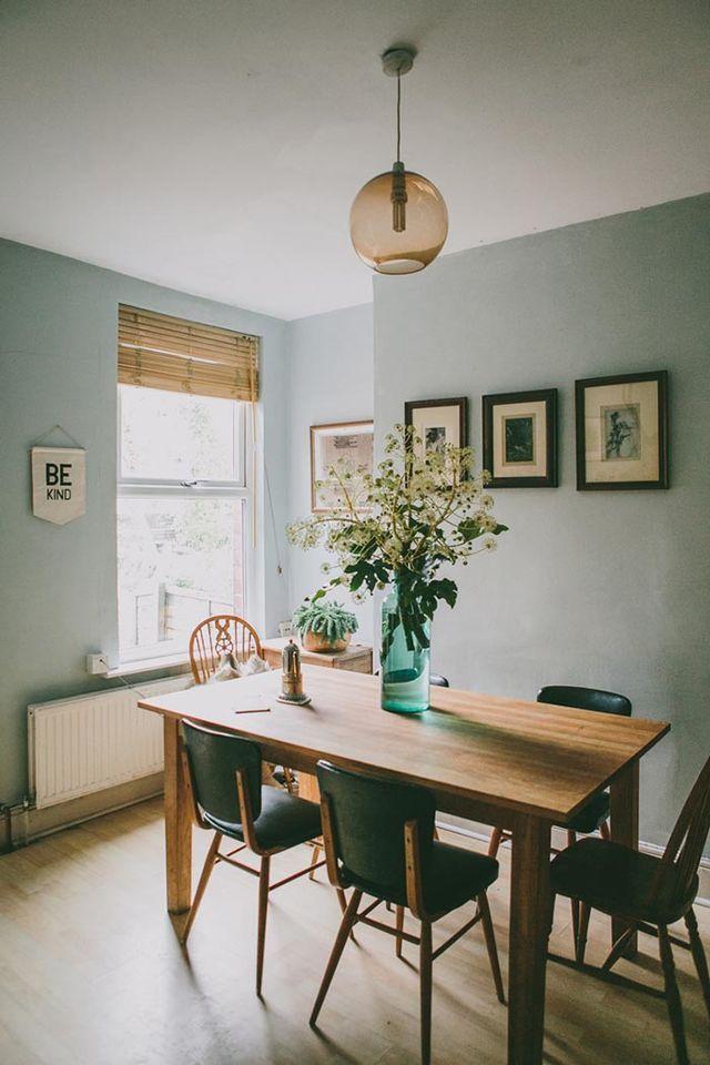 Combinación de colores: aguamarina y grises para una estancia en calma
