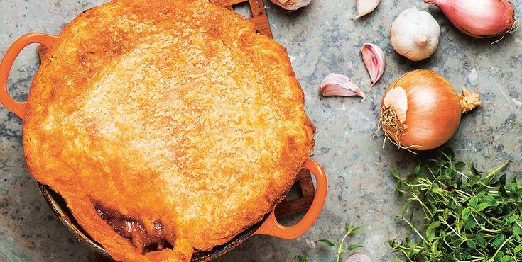 Glutenfri köttpaj med smördegstäcke