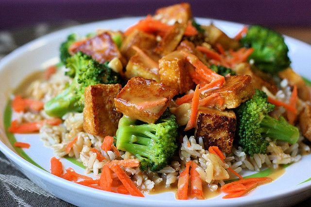Soy-Mirin Tofu Over Rice with Broccoli and Peanut Sauce: Sauces Recipe, Vegans Recipe, Soy Mirin Tofu, Asian Food, Soymirin Tofu, Peanut Sauces, Broccoli, Favorite Recipe, Vegans Food