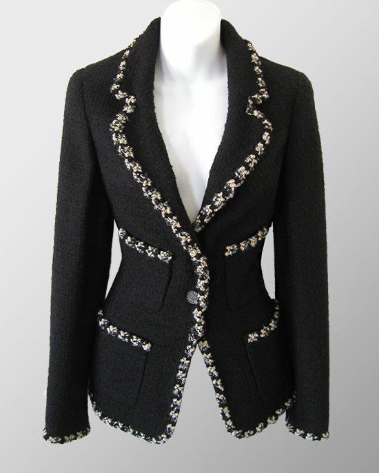 CHANEL Black Contrast Braid Trim Boucle Jacket