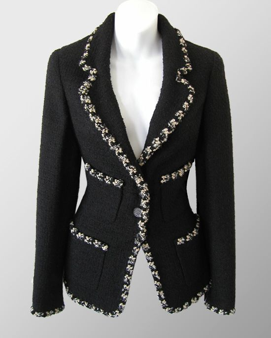 CHANEL Black Contrast Braid Trim Boucle Jacket