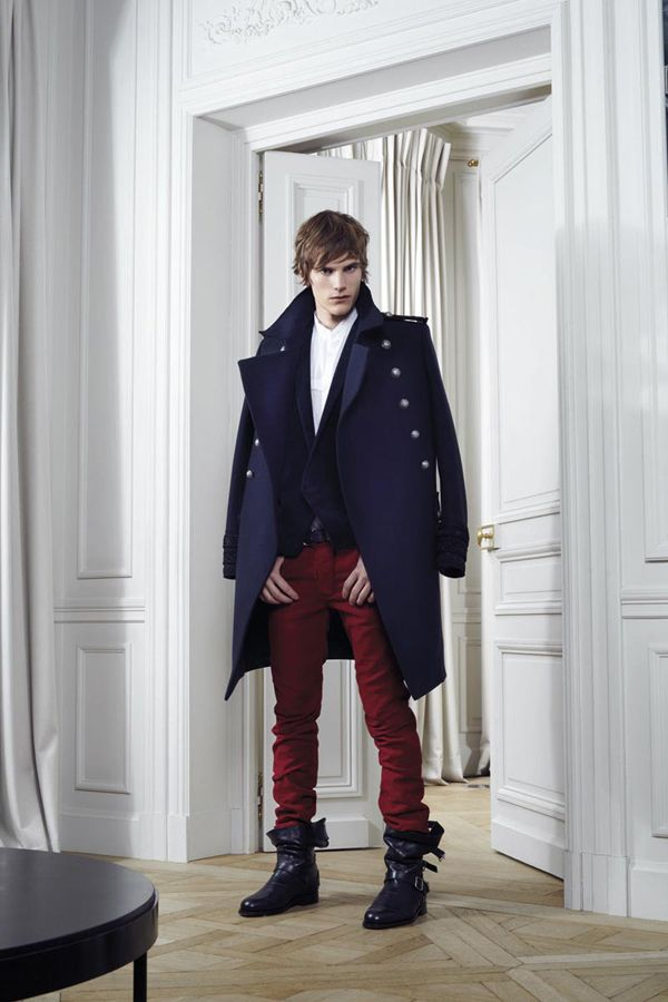 See all the runway and model photos from the Balmain Fall 2012 Menswear  collection.