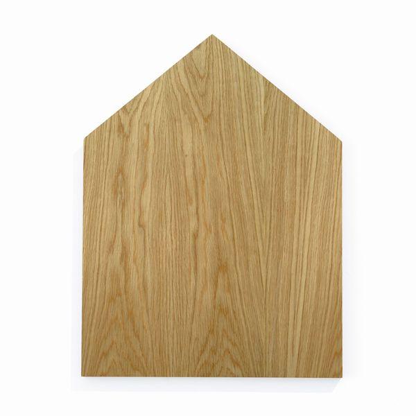 Ferm Living har funnet inspirasjon fra København by. De nye eik skjærebrettene er deres versjon av hustakene i København. Legg dem ved siden av hverandre og skape en tre skyline på kjøkkenet – på den måten du slår en praktisk element i en dekorasjon på et øyeblikk. Materiale: oljet eik Størrelse: 25x 34 cm
