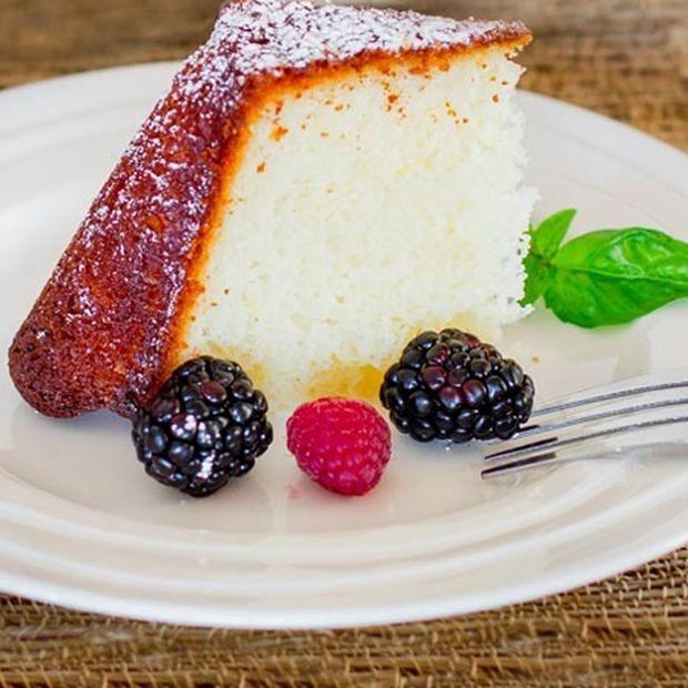 Συνταγή για αφράτο κέικ λεμονιού με γιαούρτι (χωρίς μίξερ)