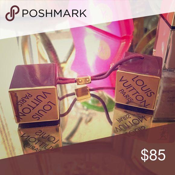 Louis Vuitton hair cube Purple/gold Louis Vuitton hair cube! Louis Vuitton Accessories Hair Accessories